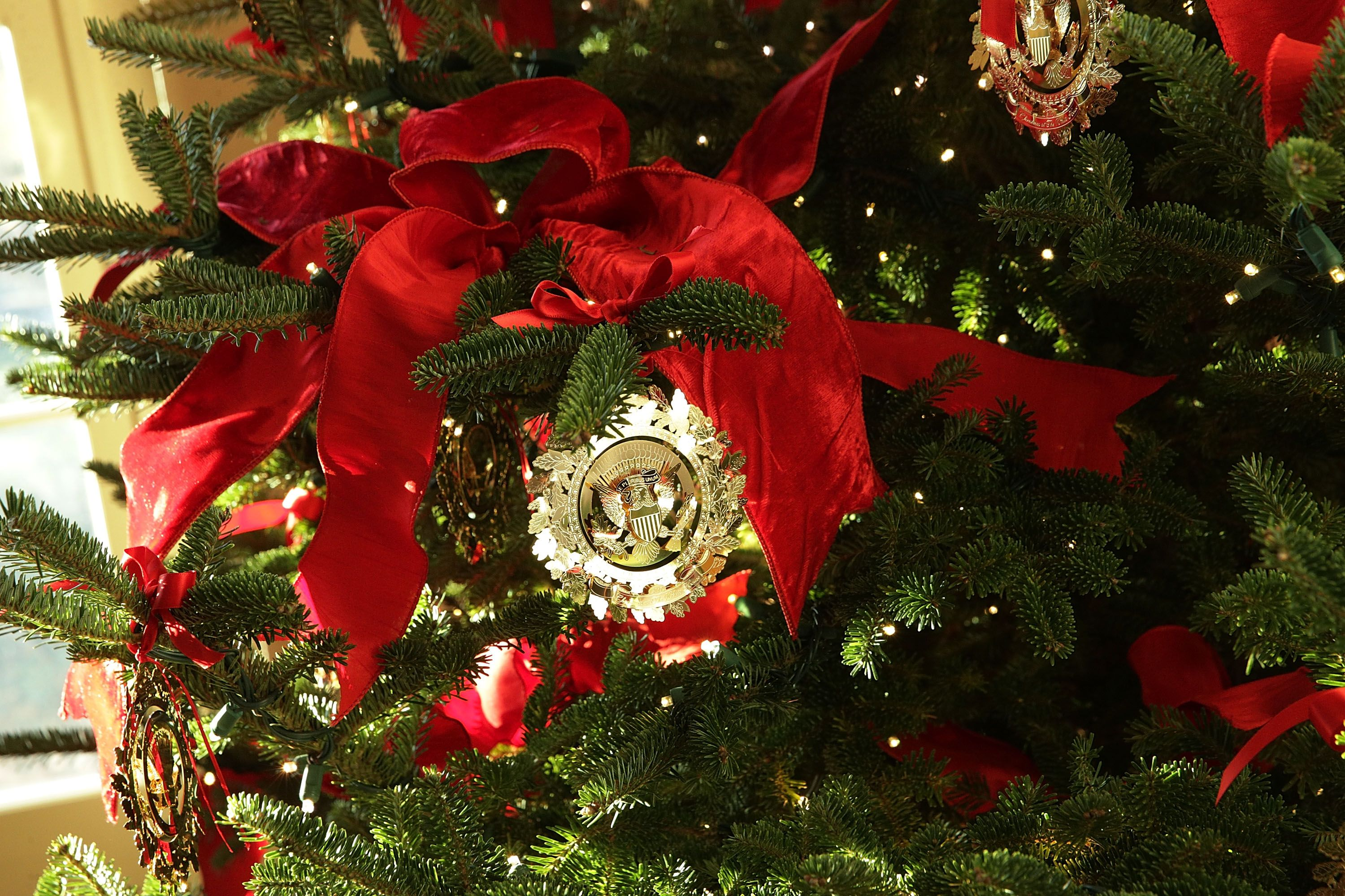 the white house just unveiled its christmas decorations - White House Christmas Ornament