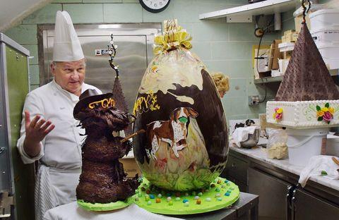 white house chefs dye eggs