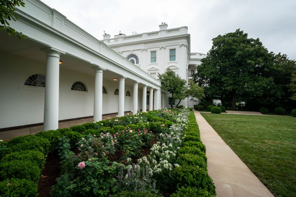 White House Rose Garden History Melania Trump S Changes To The Rose Garden