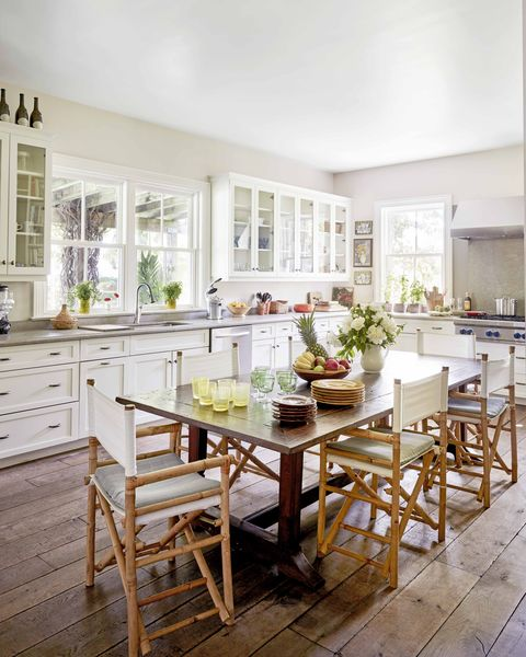 23 Best Cottage Kitchen Decorating Ideas And Designs For 2020: White Kitchen Designs And Decor