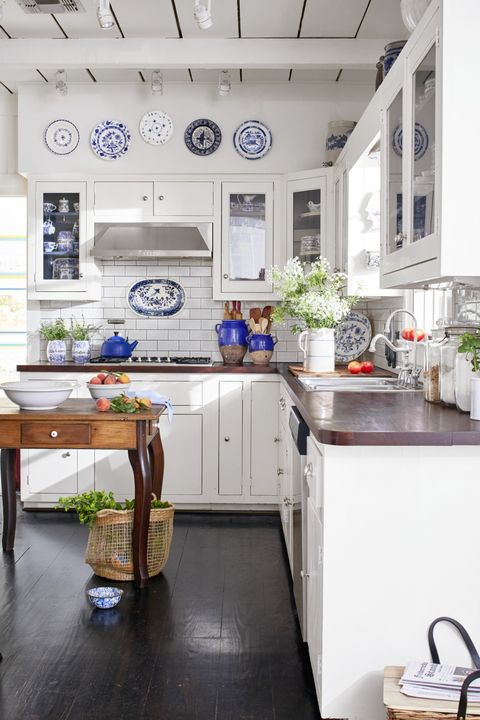 white kitchens blue