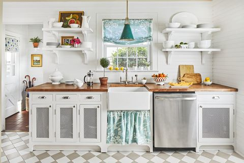 white kitchens dishware