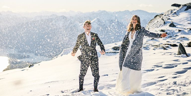 39 snowy winter weddings that will warm your heart right up junglespirit Image collections
