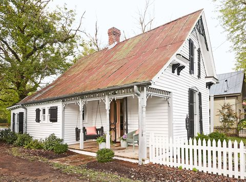 White Picket Fence Farmhouse