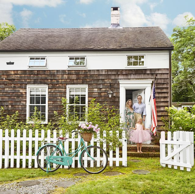 Fine 10 White Picket Fence Ideas Pictures Of White Picket Fence Home Interior And Landscaping Ferensignezvosmurscom