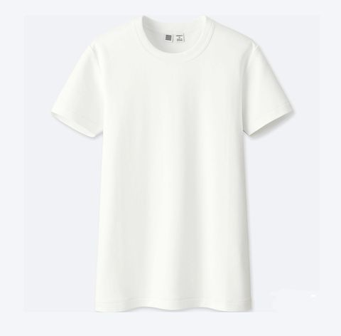 holiday capsule wardrobe: white t-shirt