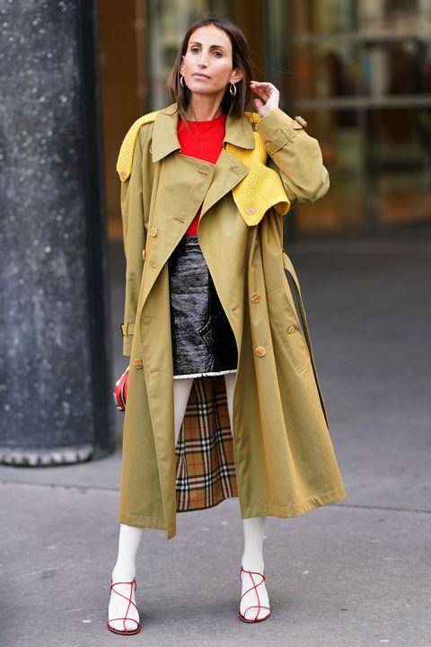 Clothing, Street fashion, Fashion, Yellow, Outerwear, Coat, Snapshot, Fashion model, Overcoat, Trench coat,