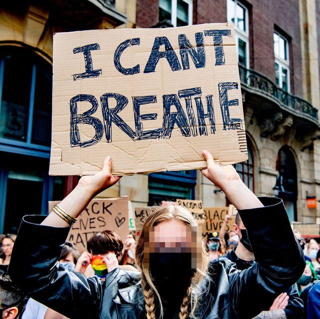 white women protesting