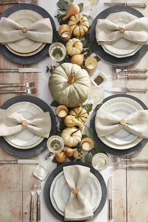 whitewashed neutral pumpkins halloween centerpiece ideas