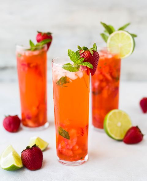 Drink, Juice, Food, Non-alcoholic beverage, Cocktail garnish, Bay breeze, Rum swizzle, Lime, Cocktail, Alcoholic beverage,