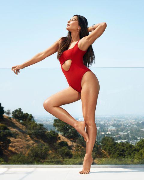 Human leg, Clothing, Leg, Thigh, Beauty, Photo shoot, Muscle, Joint, Summer, Knee,