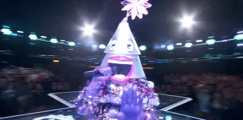 Steve Harvey Christmas Tree.Who Is The Tree On The Masked Singer The Tree Revealed