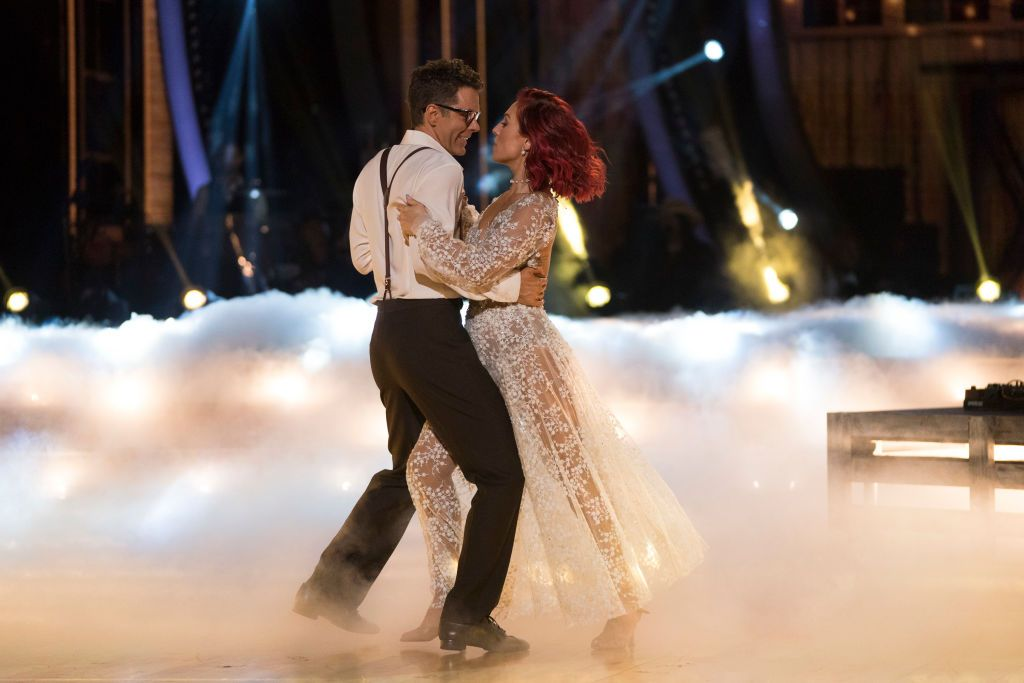 Whos dating on dancing with the stars australia 2020