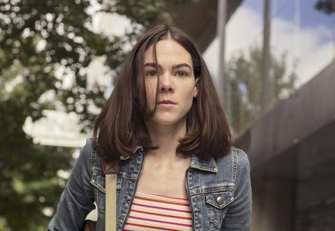کسی که سارا را در فصل 2 ل به ر ximena lamadrid به عنوان سارا در قسمت 203 سریال صارا کشته شده 2 کشته کرد Netflix © 21 2021
