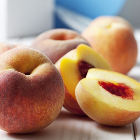 How to Freeze Peaches in Three Easy Steps