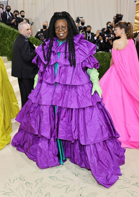 the 2021 met gala celebrating in america a lexicon of fashion whoopi goldberg in valentino couture