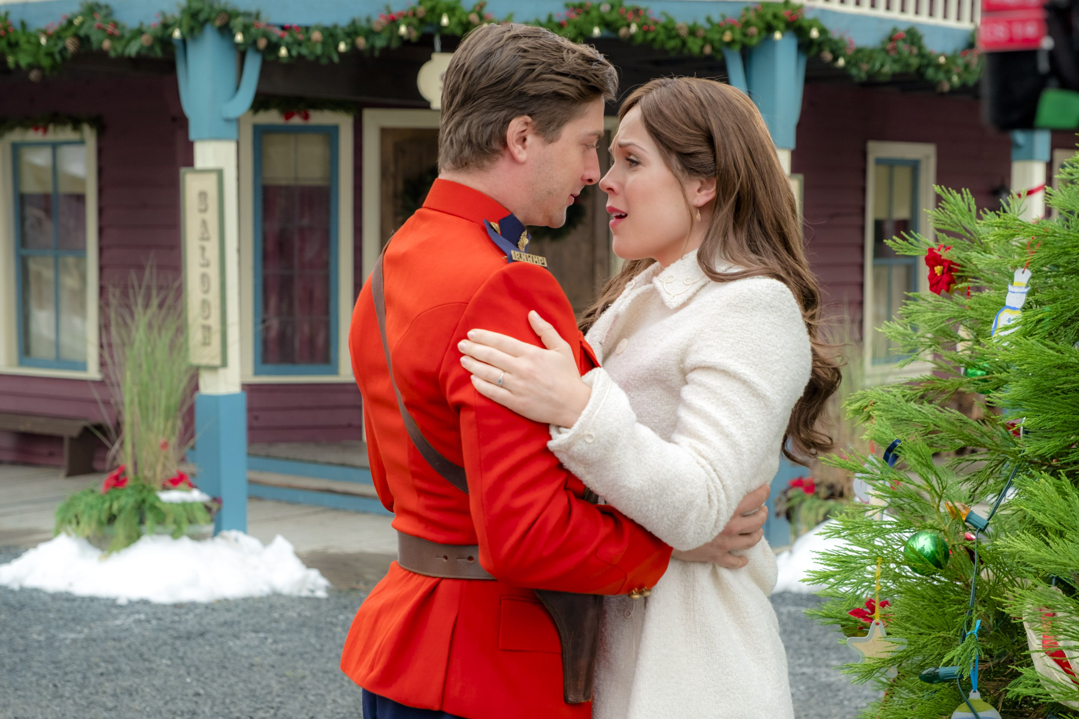 Why Did Daniel Lissing Leave When Calls the Heart?