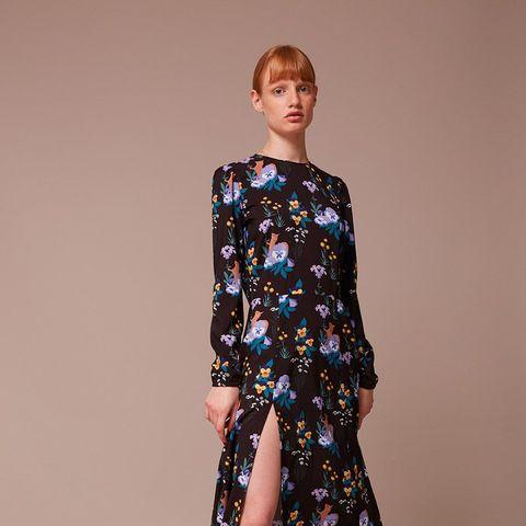 Fashion model, Clothing, Shoulder, Fashion, Dress, Joint, Day dress, Leg, Footwear, Fashion show,