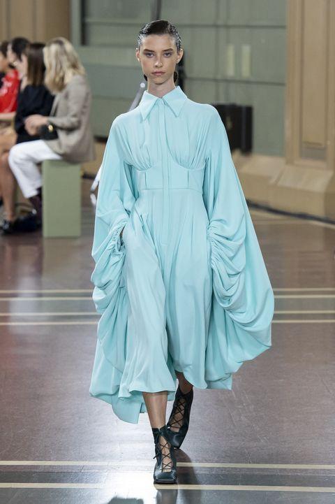 Fashion, Fashion model, Fashion show, Clothing, Runway, Haute couture, Fashion design, Outerwear, Dress, Footwear,