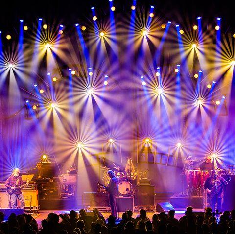 Performance, Entertainment, Stage, Performing arts, Concert, Event, Light, Lighting, Public event, Rock concert,