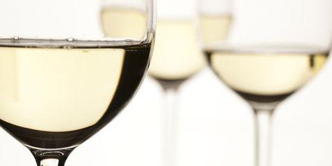Stemware, Liquid, Glass, Fluid, Drinkware, Drink, Wine glass, Barware, Alcoholic beverage, Tableware,