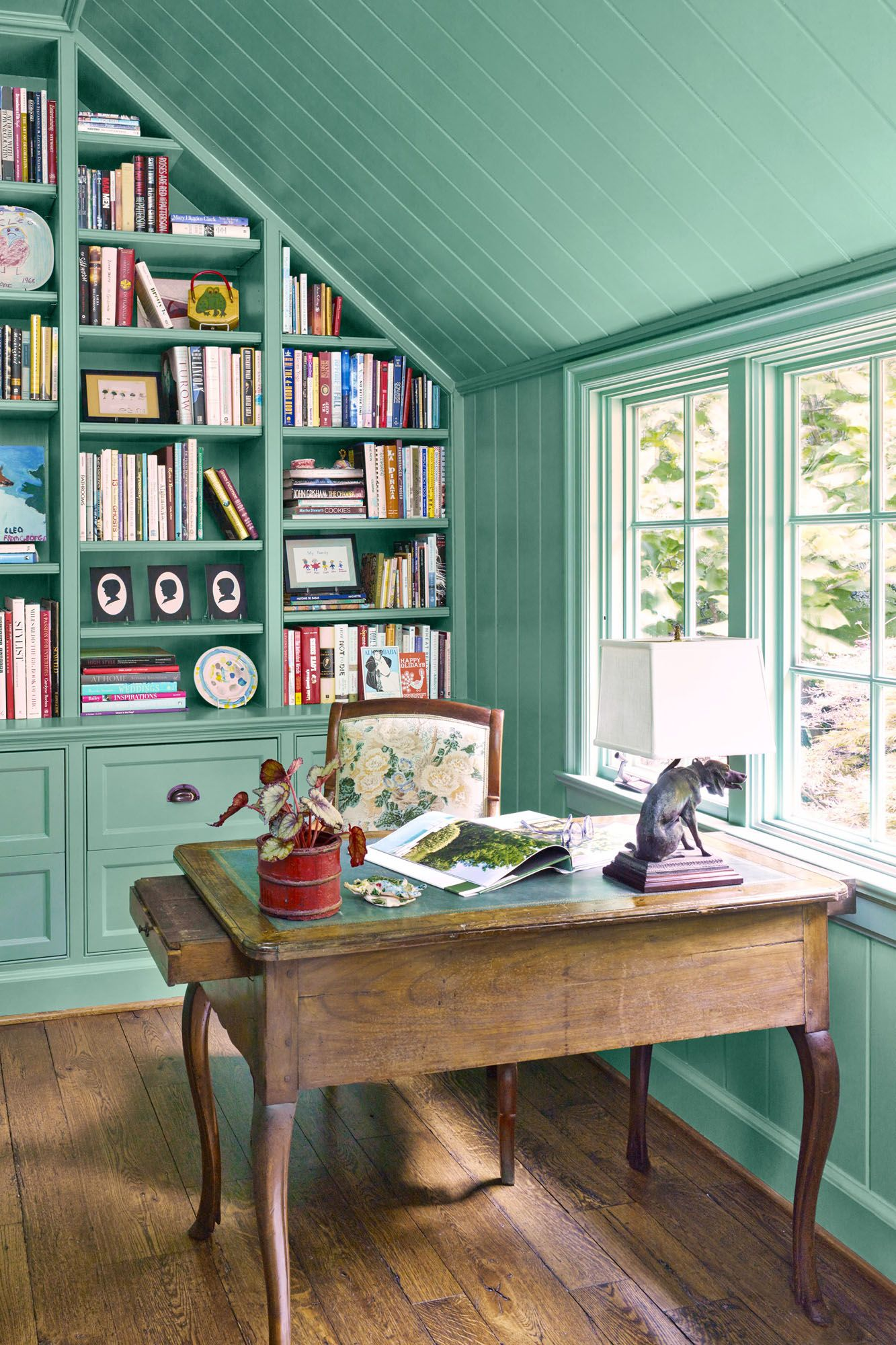 mint green paint