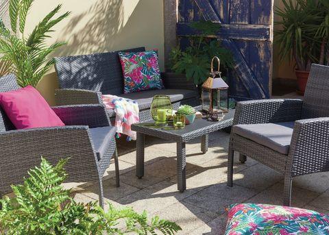 low maintenance garden design ideas tips tricks and advice. Black Bedroom Furniture Sets. Home Design Ideas