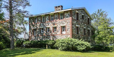 Fixer Upper Faceless Bunker Home Still The Market House For Sale