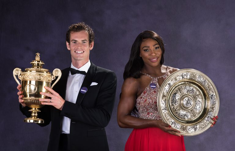 Murray and Williams pose with their trophies at the Wimbledon Champions Dinner in 2016.