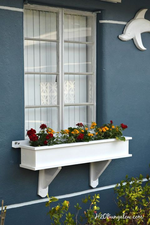 window boxes white