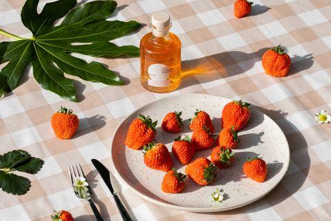 lush strawberry vinegar