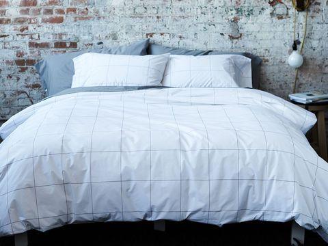 Bedding, Bed sheet, Duvet cover, Bed frame, Textile, Bed, Furniture, Duvet, Bedroom, Pillow,