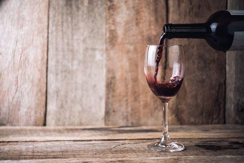 Wine glass, Glass, Stemware, Red wine, Drink, Barware, Drinkware, Wine, Alcohol, Alcoholic beverage,