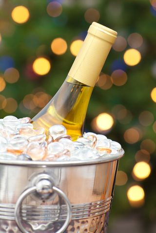 12 Last-Minute New Year's Eve Party Ideas - Quick New Year ...