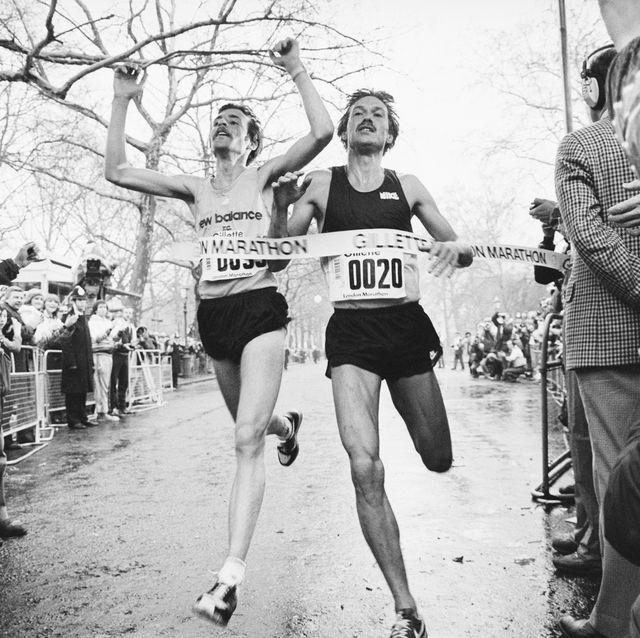 runners crossing london marathon finish line
