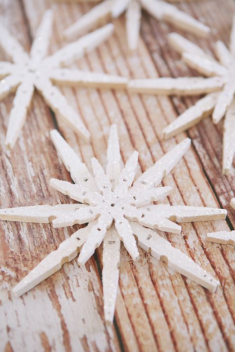 winter crafts clothespins snowflakes