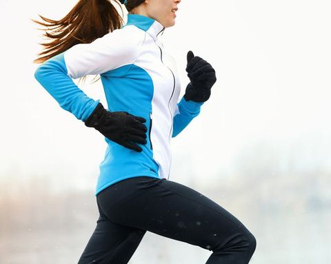 4 Ways to Keep Working Out When the Temps and Your Motivation Plummet
