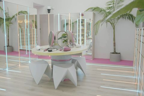 Winter Love Island 2020 Casa Amor Girl's Dressing Room