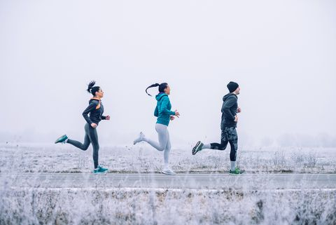 7 Easily Avoidable Mistakes People Make When Running in Winter