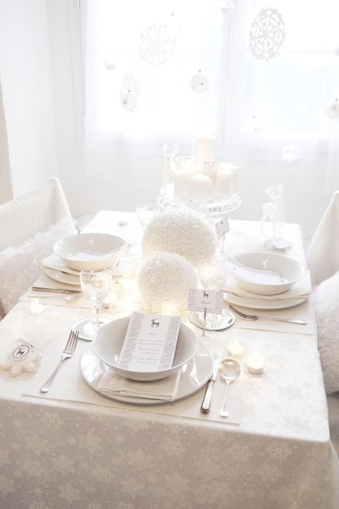 White, Table, Room, Furniture, Tableware, Tablecloth, Interior design, Textile, Serveware, Porcelain,