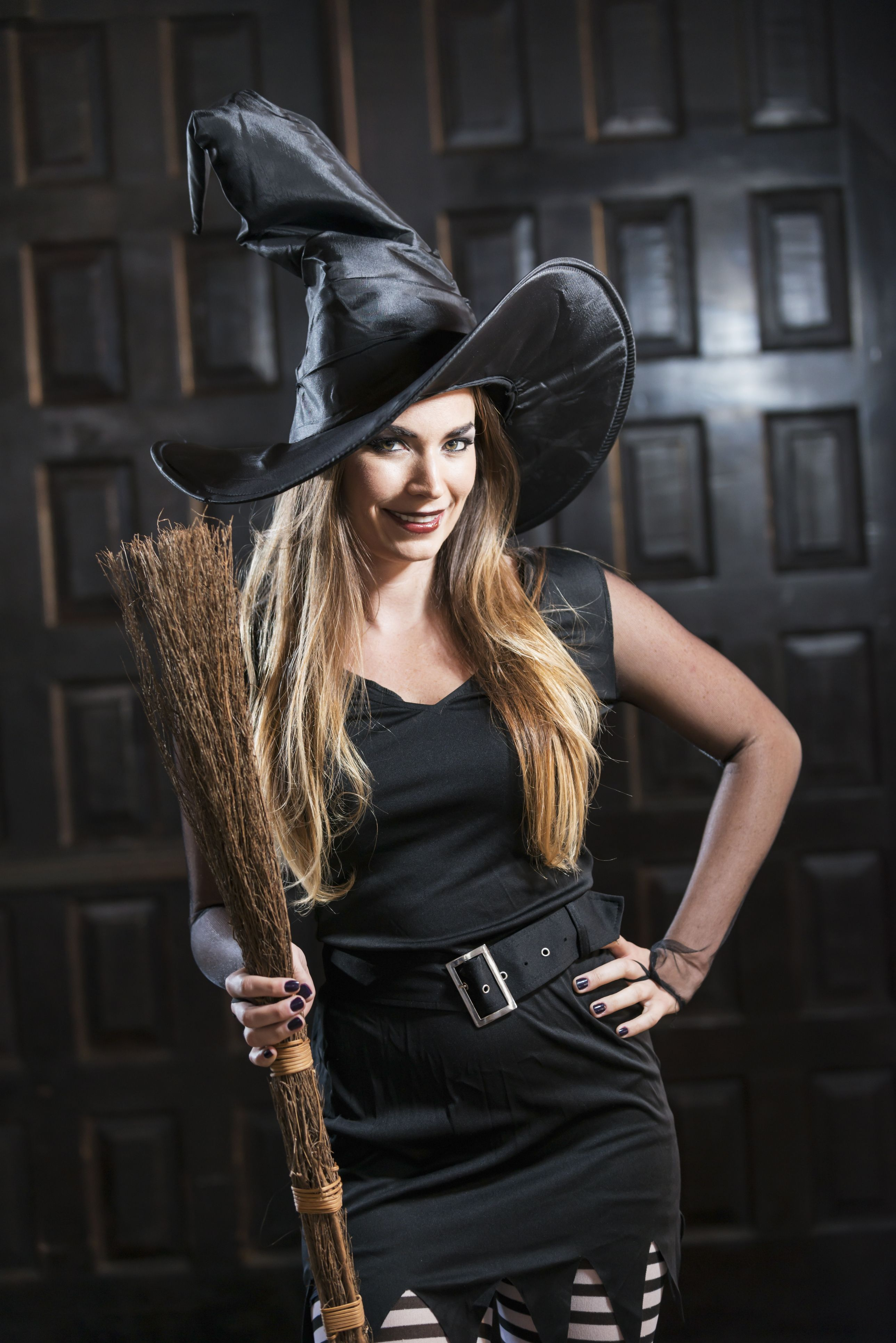 Best DIY Witch Halloween Costume 2019 , How to Make a Witch