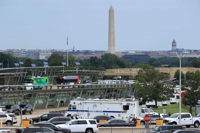 multiple people shot after gunman opens fire at pentagon transit center