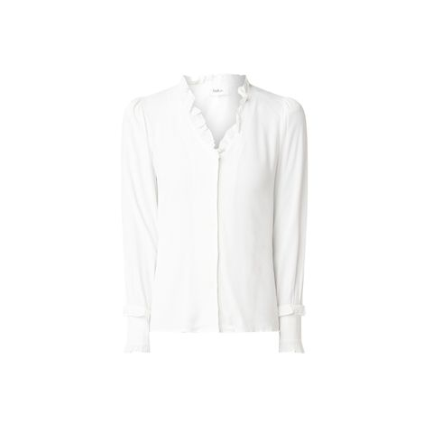 Clothing, White, Collar, Sleeve, Outerwear, Shirt, Blouse, Top, Neck, T-shirt,