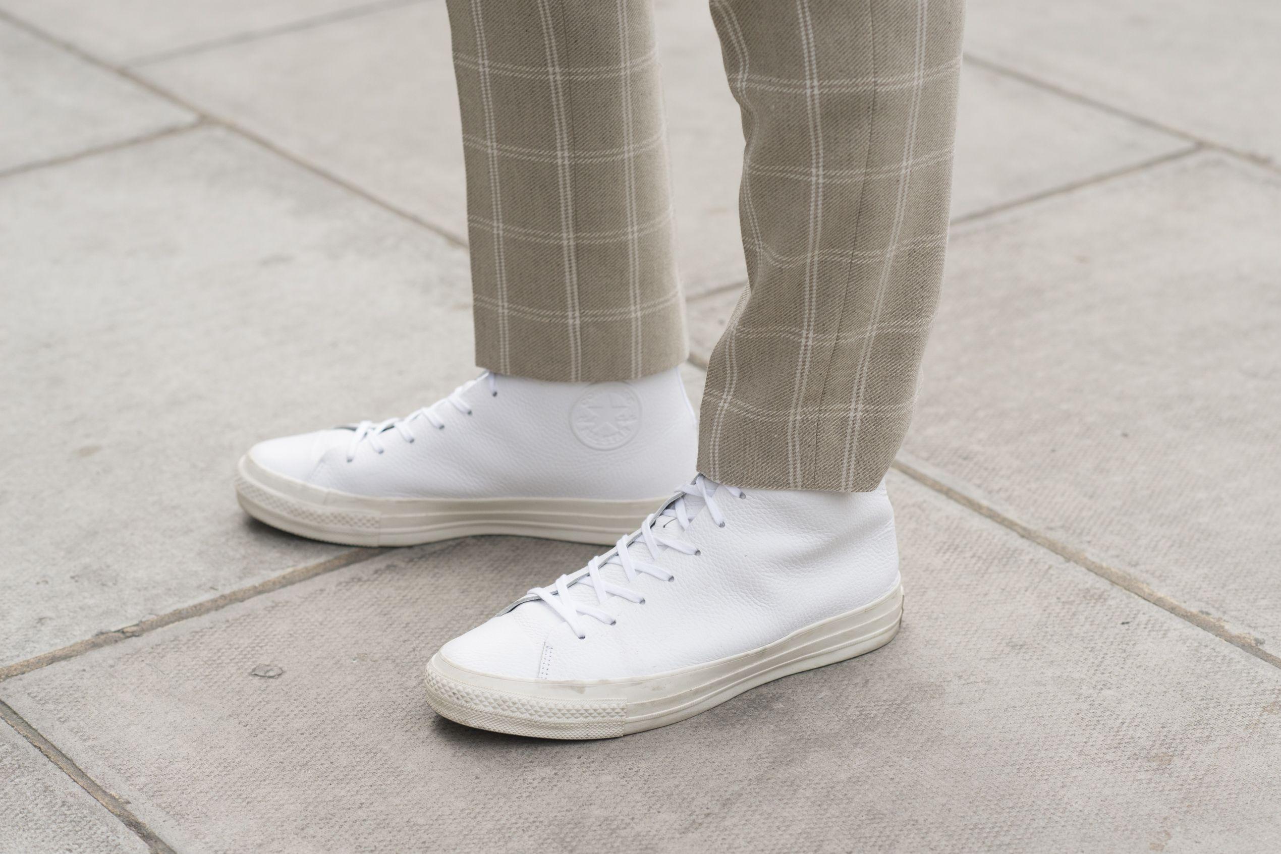 witte adidas schoenen in de wasmachine