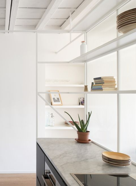 La ristrutturazione di un piccolo appartamento in una casa ...