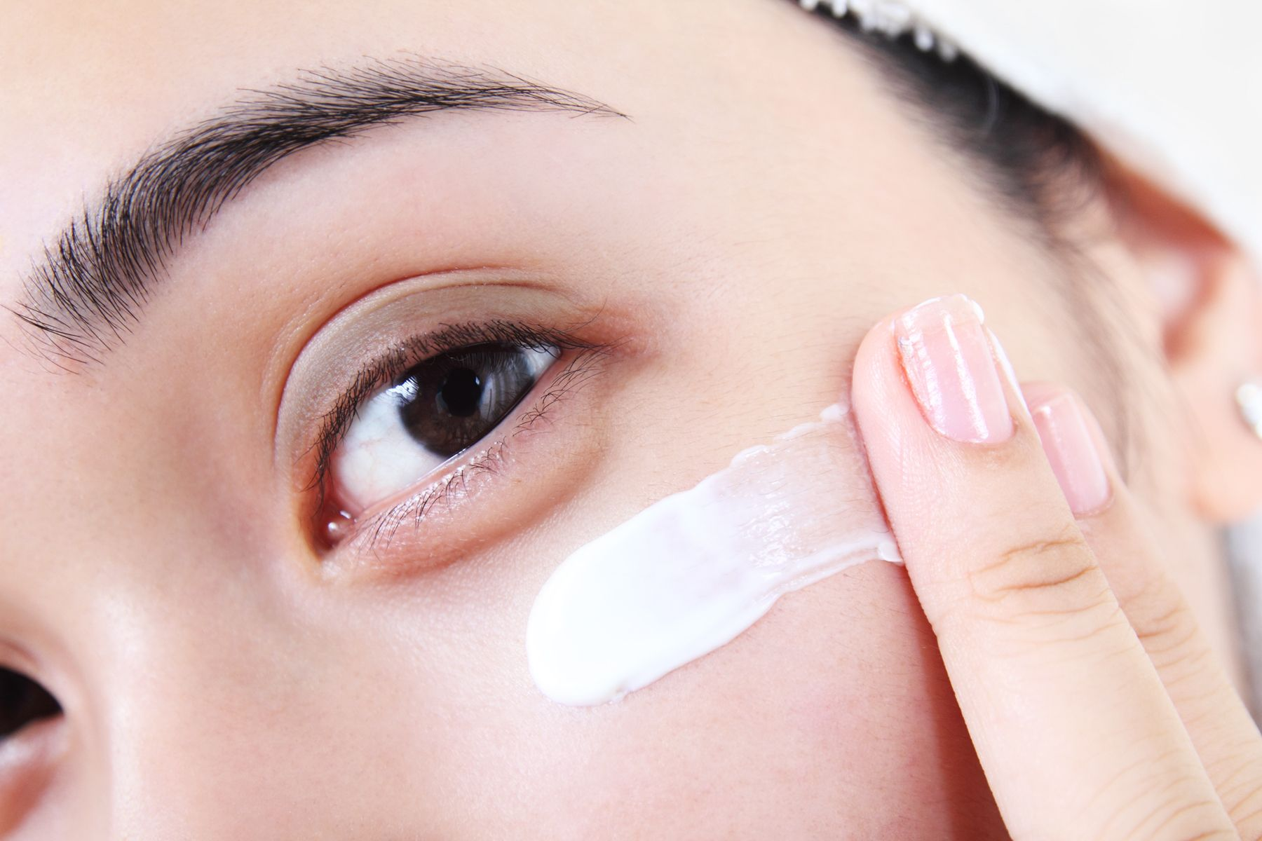 Should You Use Eye Cream In The Morning Or At Night?