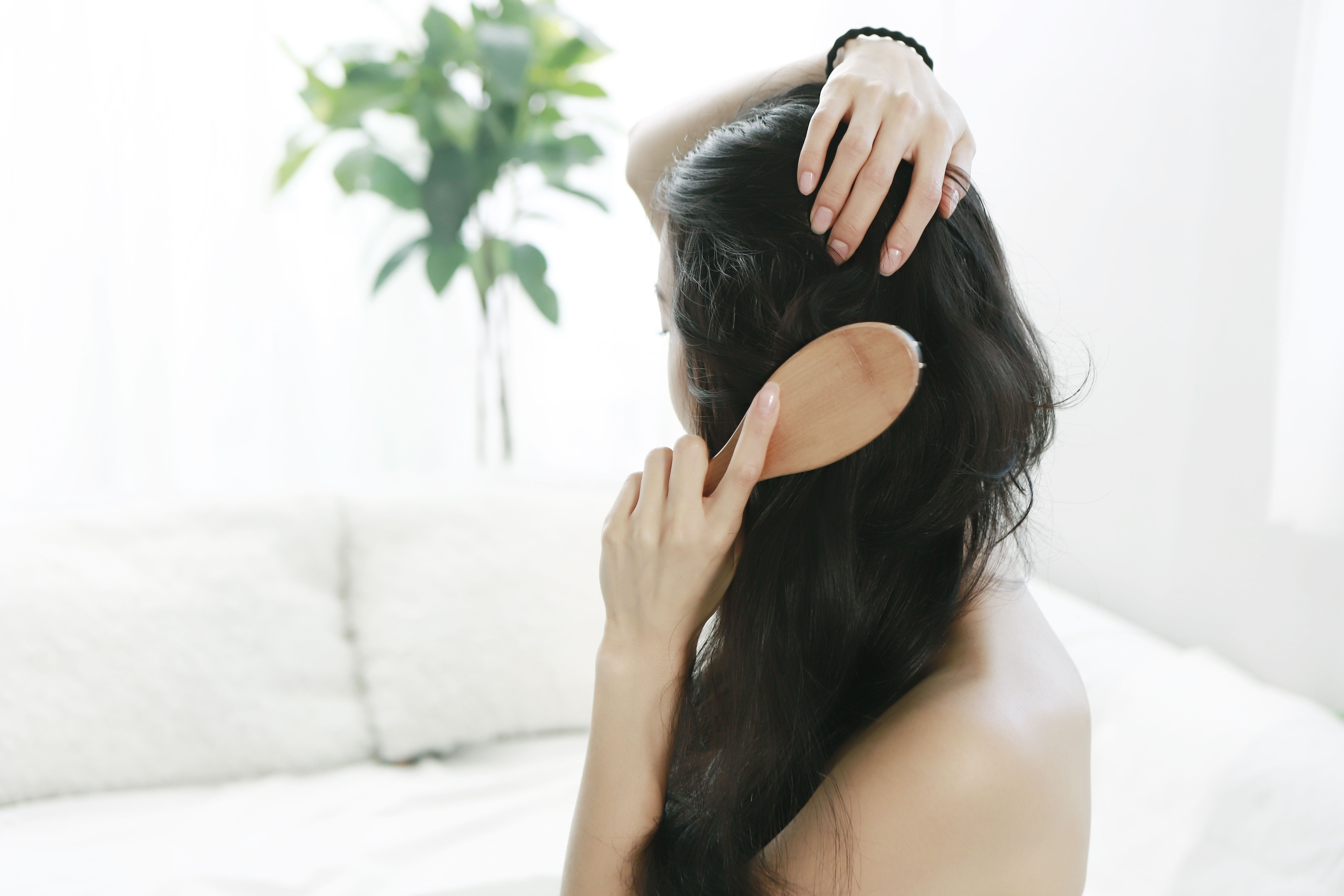 Cure your dry scalp with these trichologist-approved tips