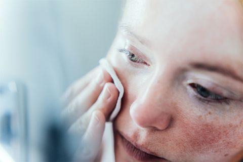 中醫師揭露5個「美白按摩穴道」,除了消水腫還能預防黑色素,保養控請筆記~