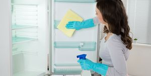 How to deep clean your fridge - fridge cleaning