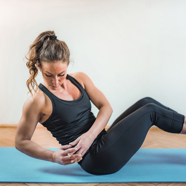 woman doing high intensity interval training exercises